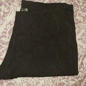 Black flower workout leggings.